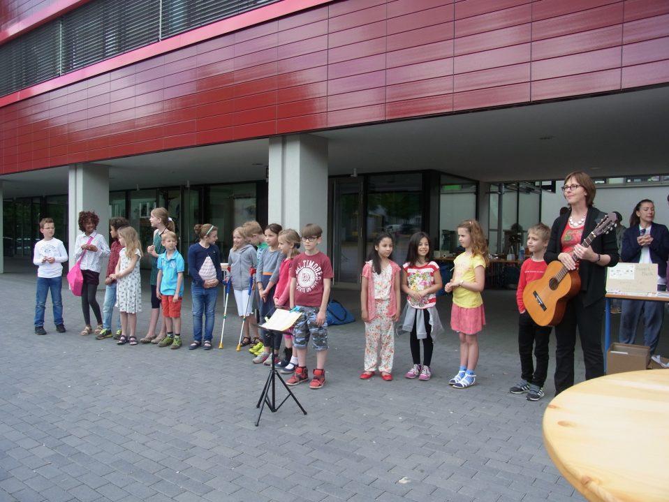 Auftritt Des Chors Bei Preungesheim Isst Liesel Oestreicher Schule